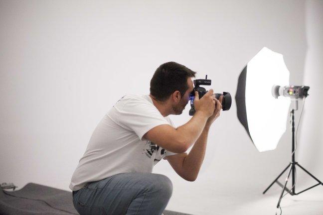 La sombrilla para fotografía. Un elemento imprescindible en tu equipo de fotografía profesional.